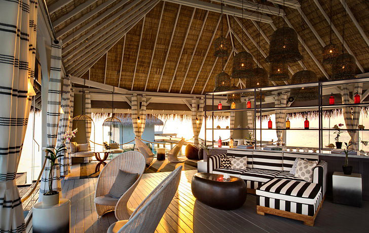 Kanuhura-arrival-bodu-beru-lounge