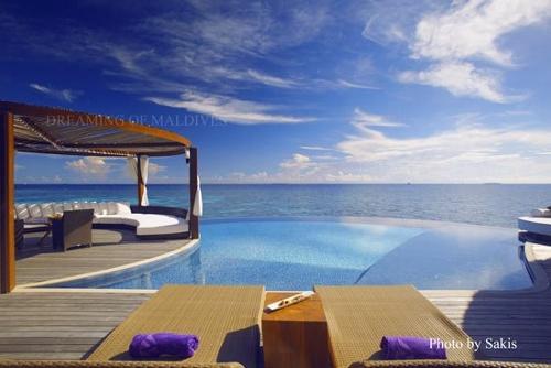kevin spacey at w retreat and spa maldives