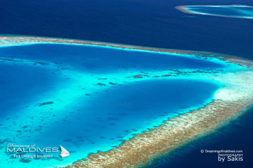 Aerial Photo of the Maldives Islands. Aerial Views (Aerial Photo Gallery of The Maldives Islands – An Aerial Look at Maldives Amazing Island Shapes)