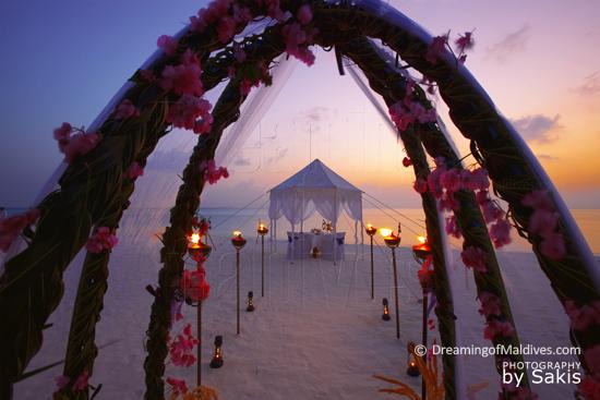 Anantara Dhigu Maldives Honeymoon and Wedding Dinings on the Beach