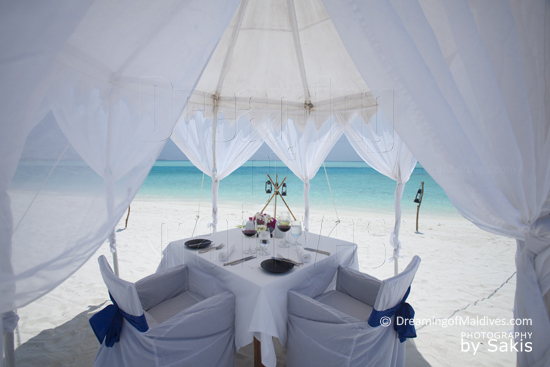 Anantara Dhigu Maldives Honeymoon Dining on the Beach