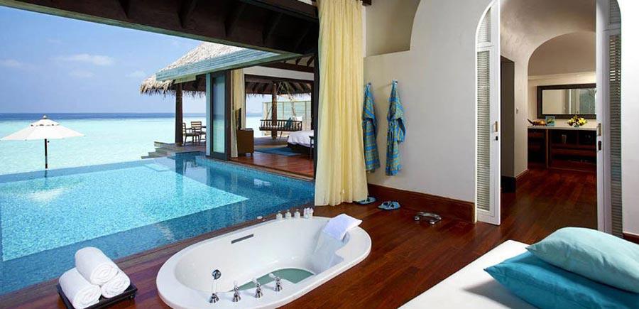 Anantara Kihavah Maldives Over Water Pool Villa - glass-bottom bathtub