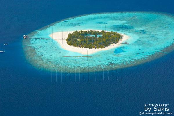 Banyan Tree Vabbinfaru Maldives aerial view photo gallery