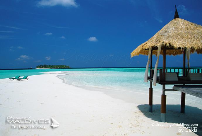 Banyan Tree Vabbinfaru best resort for snorkeling in Maldives