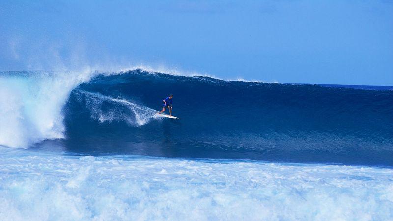 Best months Maldives surfing