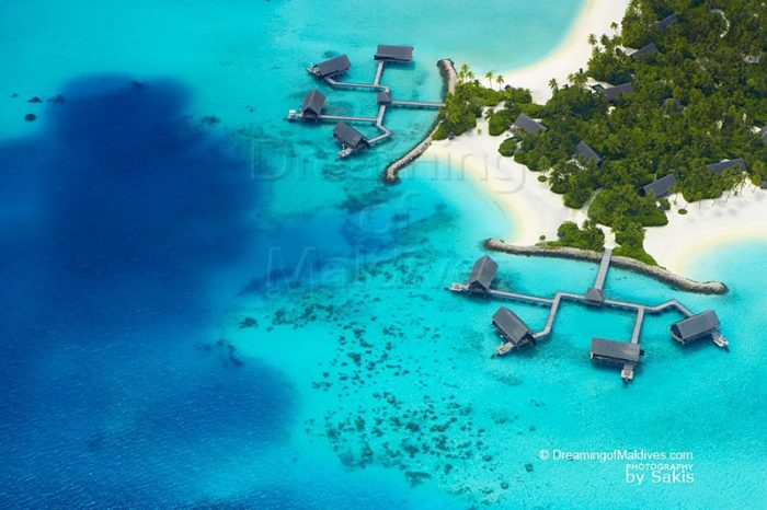 Photo David and Victoria Beckham in Maldives at One and Only Reethi Rah