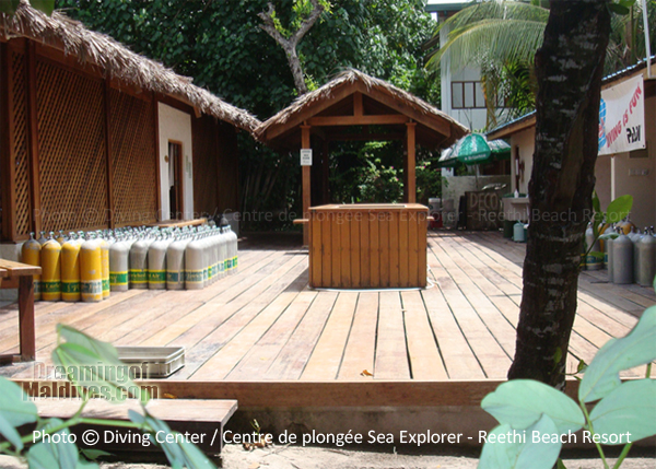 Sea Explorer Diving Centre - Reethi Beach Resort Maldives Baa Atoll