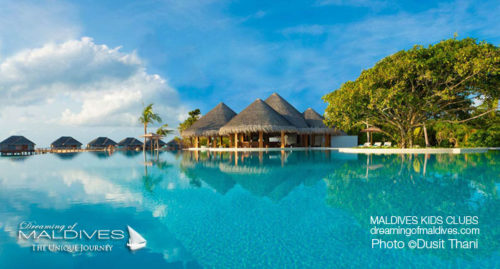 Maldives Family Hotel Dusit Thani Pool