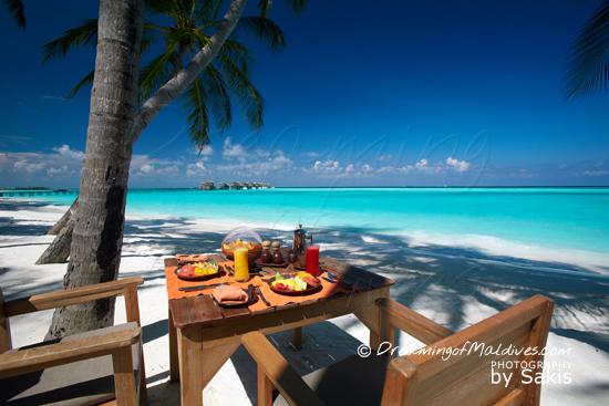 Gili Lankanfushi Maldives - Breakfast is daily served on the beach at the main restaurant
