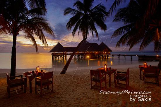 Gili Lankanfushi Maldives - Dinner on the beach at the main restaurant