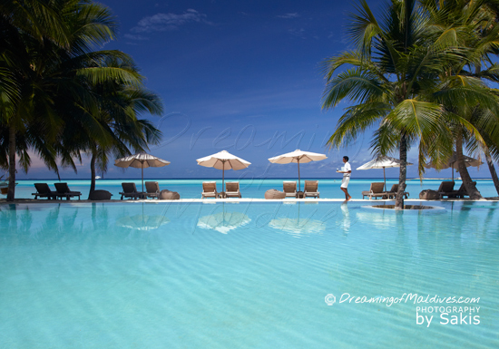 Gili Lankanfushi Maldives - Smily Mr & Mrs Friday