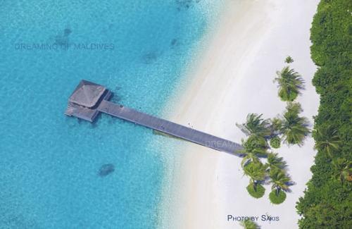 Guess the Resort in Maldives and win a Maldives calendar 2011 Naladhu Maldives