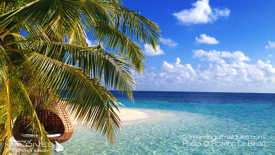 10 Amazing Places in Maldives - Dreaming of The Swing Nest At Coco Prive