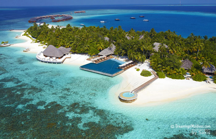 Huvafen Fushi Aerial View - CELSIUS Restaurant, UMBAR infinity Pool and LONU VEYO Floatation Pool