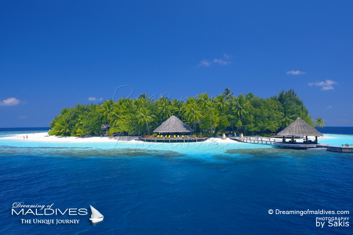 Angsana Ihuru Maldives Best Resort for snorkeling in Maldives Island close-by House-Reef