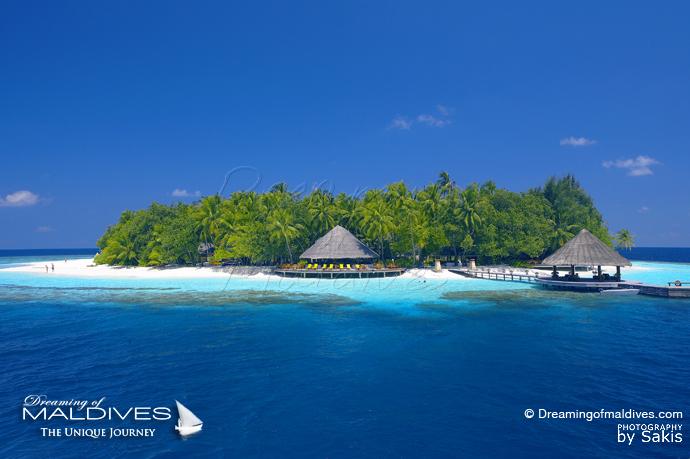 Angsana Ihuru Maldives Best Resort for snorkeling in Maldives Island close-by House-Reef