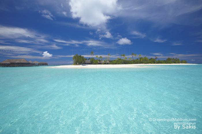 Diving at Hilton Maldives Iru Fushi - Noonu Atoll, the island and the blue lagoon