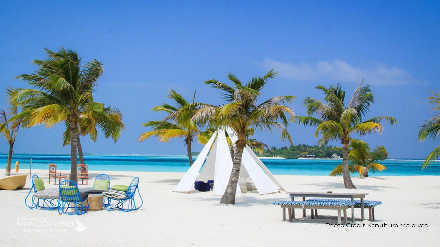 IRU Boho Bar Kanuhura Maldives