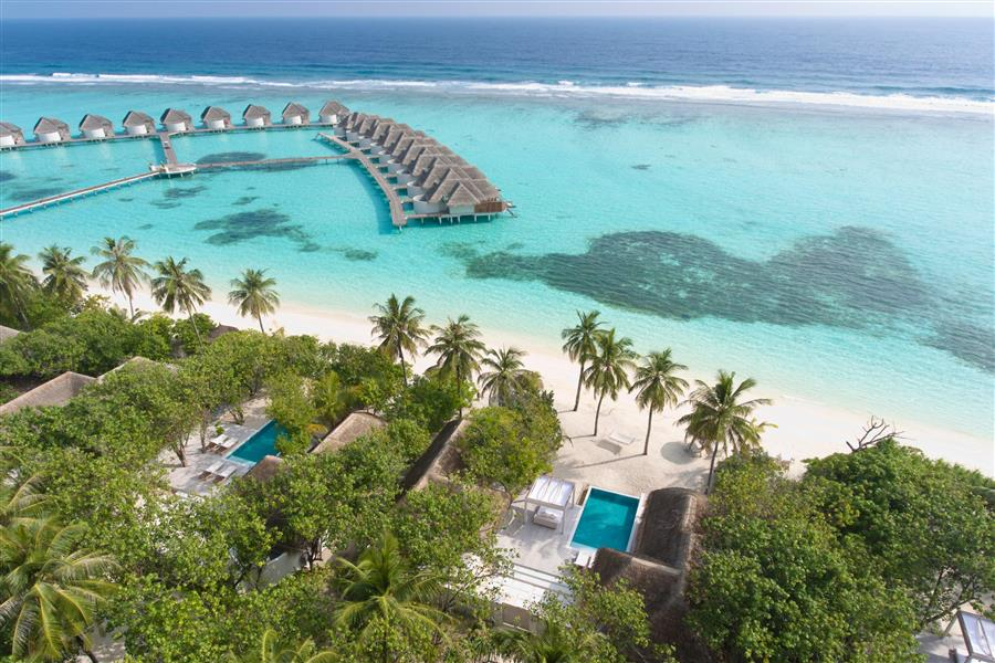 Kanuhura Maldives villas