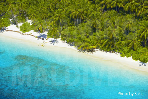 Aerial photography Maldives- Virgin Island, zoom on the beach