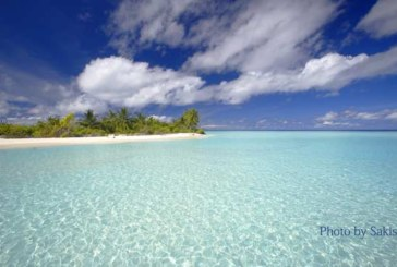 Photo of the day : A desert Tropical island in Maldives