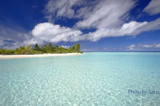 Maldives photo of desert tropical island at Haddumatti Atoll