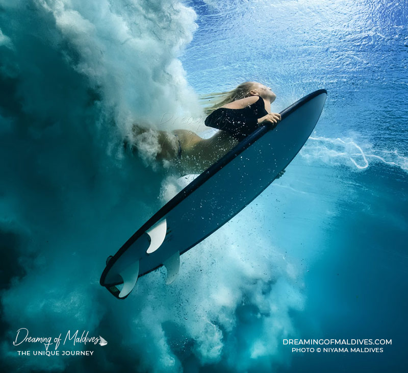 Maldives Beautiful Places - Surfing