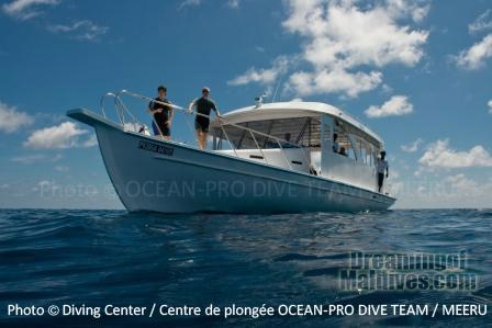 Meeru Diving Boat - Maldives - Diving at Meeru Island Resort, Maldives North Male Atoll. Ocean Pro
