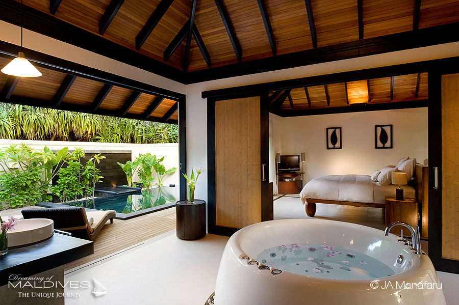 The Most Extraordinary Hotel Bathrooms in Maldives - JA MANAFARU