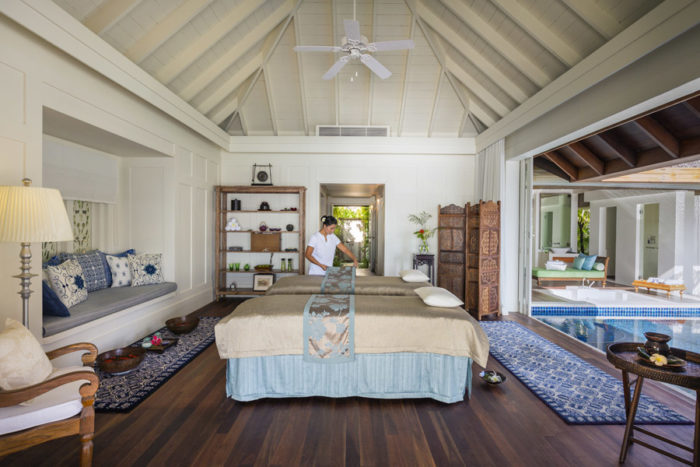 Naladhu Maldives Ocean Retreat - Room and Therapist