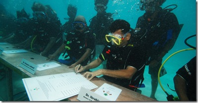 Nasheed-Maldives-Underwater1_thumb[1]