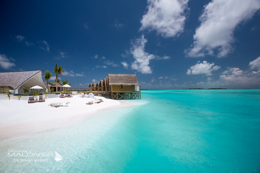 Ozen at Maadhoo Maldives. Water Villas