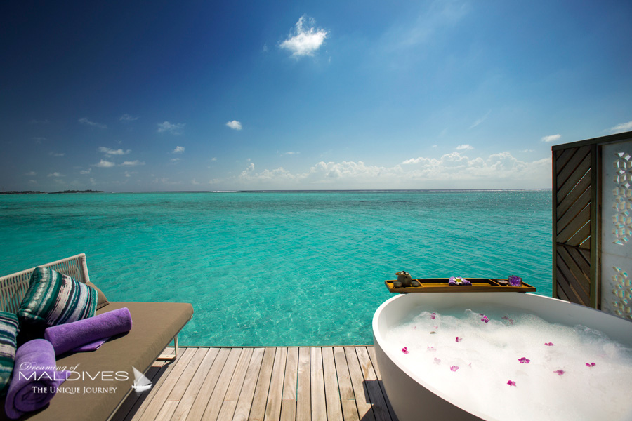 Ozen at Maadhoo Maldives. The Spa Over water treatment Room. Relaxing Deck