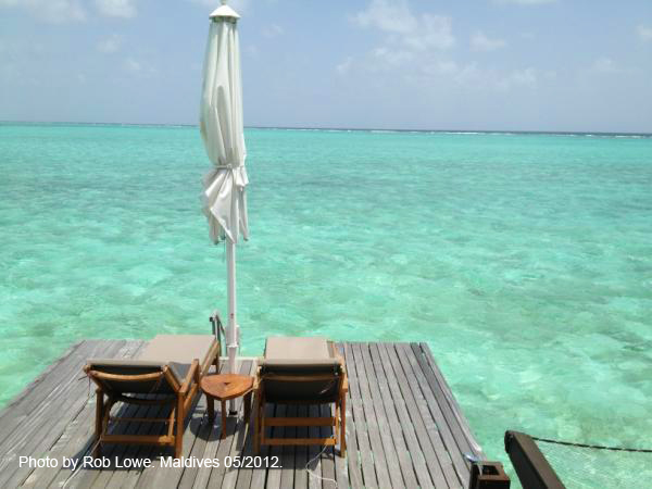 Rob Lowe in Maldives. Photo. Room with a view ...
