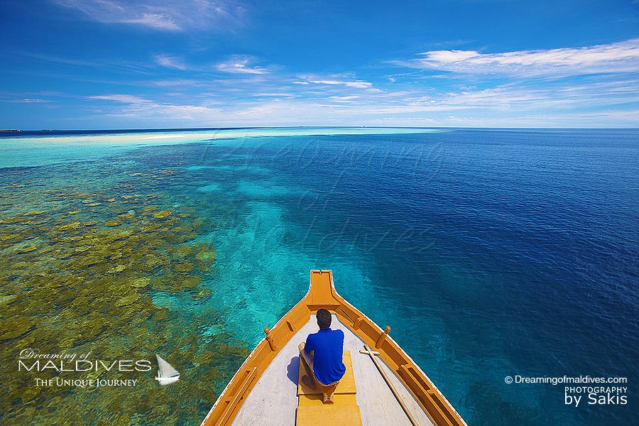 Things To Do In Maldives. Rent a Dhoni and Cruise