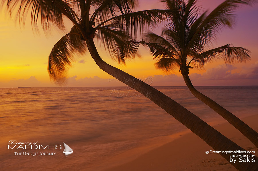 Things To Do In Maldives. Watch Beautiful Sunsets