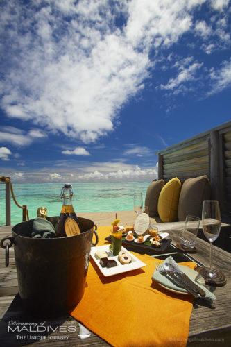 TOP 5 Things to do at Gili Lankanfushi Maldives. Have a Breakfast In-Villa