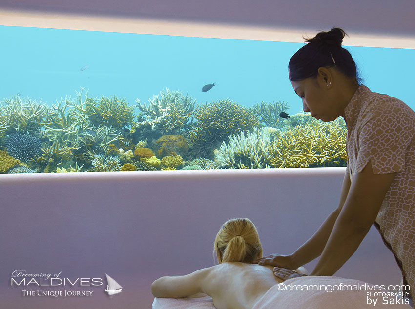 5 TOP Things To Do at Per Aquum Huvafen Fushi underwater massage