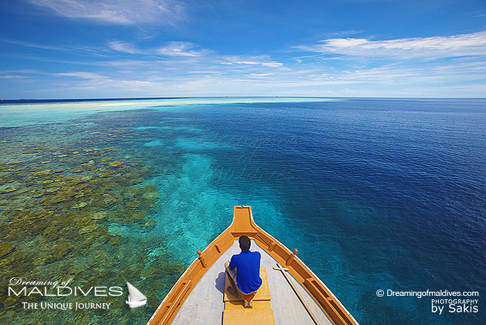 Maldives Dhoni - Dhoni Captains and Crews help themselves with the bow of their dhonis and the the stars to cruise the ocean