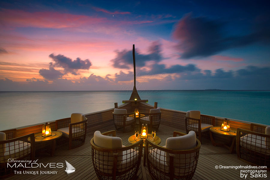 Milaidhoo Ba'theli Lounge & Restaurant at Sunset