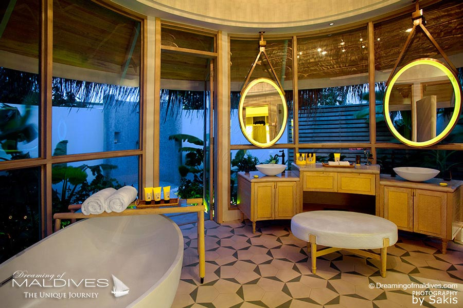 Milaidhoo Beach Pool Villa Bathroom