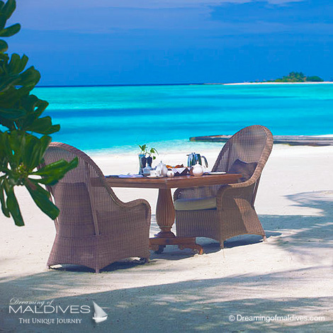 Naladhu Maldives best Moment and Place Breakfast on the beach