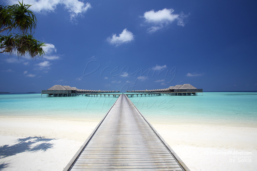 Anantara Kihavah Maldives - Jetty leading to the Water Villas
