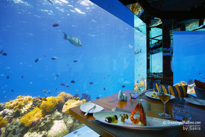 Anantara Kihavah Maldives - Dining at Sea Underwater restaurant