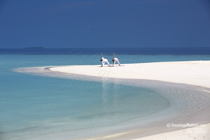 Anantara Kihavah Maldives - Daily Yoga Session