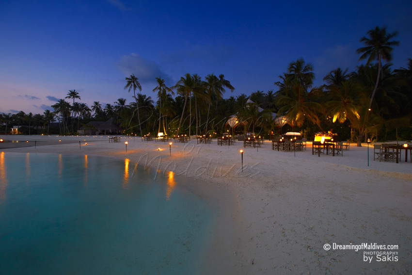 Niyama Maldives - Per Aquum Niyama Tribal African Restaurant. Grill on the Beach