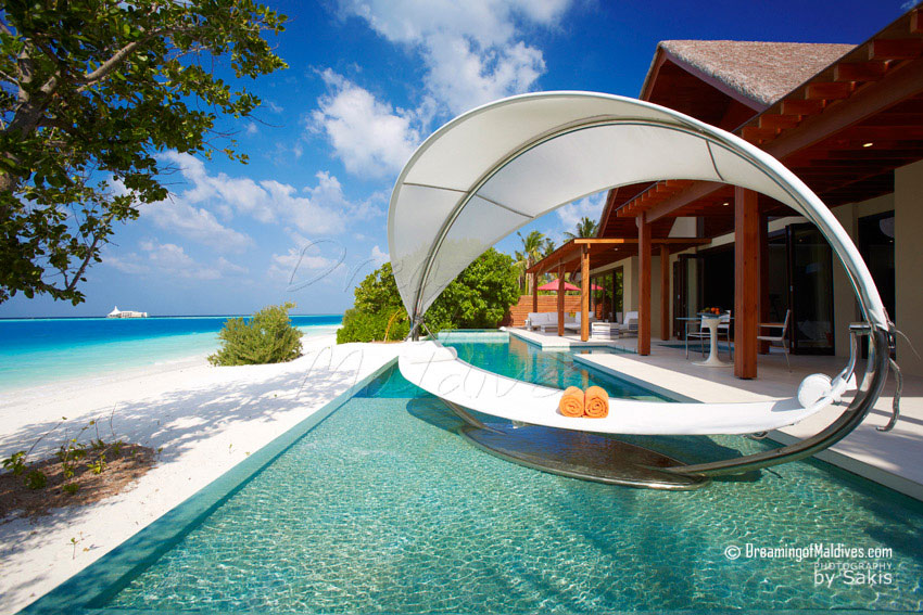 Niyama Maldives - Per Aquum Niyama Beach Pavilion - The Private Pool with its Cocoon Lounge