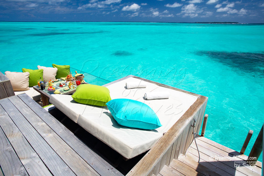 Six Senses Laamu Maldives - Water Villa Deck Lounge Area