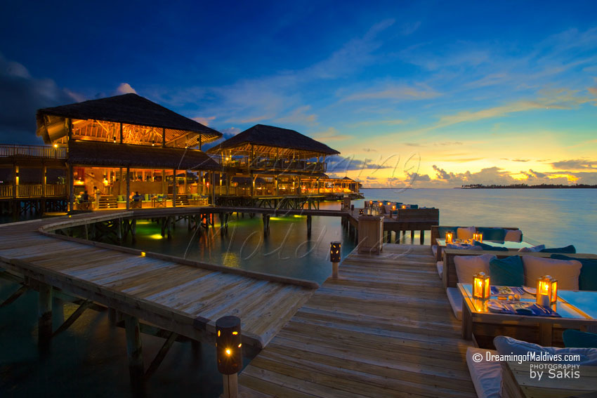 Six Senses Laamu Maldives - Deck-A-Dence Restaurant by Night