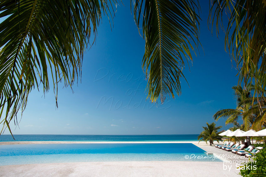 Velassaru Maldives - Resort Infinity Pool